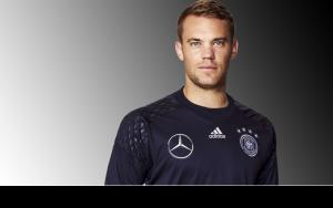 Manuel Neuer  biography, parents, siblings, girlfriend, salary, gloves, net worth